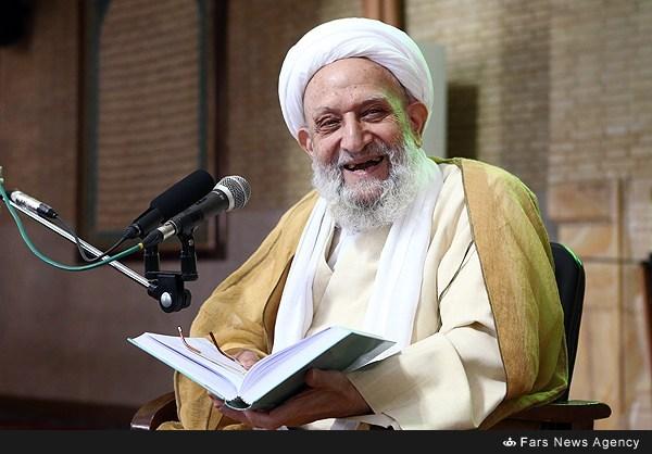 لبخند حضرت آیتالله محمدرضا مهدوی کنی